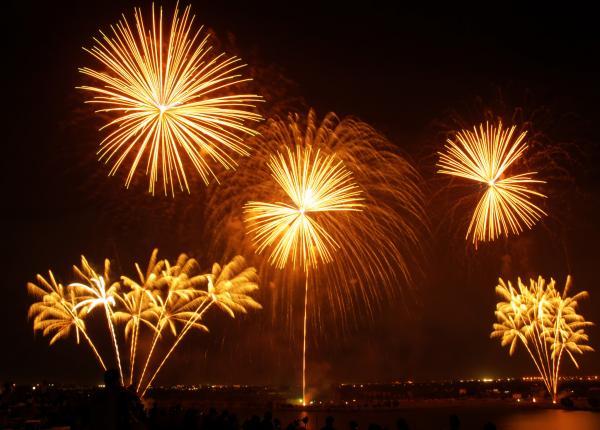 Kleurrijke vuurwerkshow langs de naaldwijkseweg
