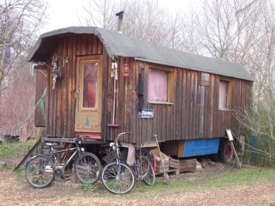 alternative living in berlin 39 trailerpark lohmuhle 39. Black Bedroom Furniture Sets. Home Design Ideas